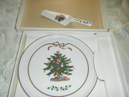 Cake Plate Christmas picture made in Japan ceramic and spatula Noranda Bayswater Area Preview