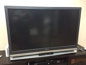 Sony Wega 46 inch LCD Projection TV with Sony Matching Stand