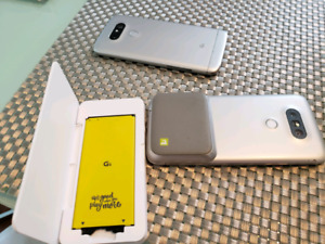 Two LG G5 for parts