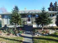Beautiful Inner City Bungalow in Spruce Cliff Sw,Calgary.
