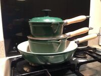 Cast iron Le creuset style pan set