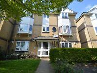 2 bedroom flat in Rossetti Road, Surrey Quays SE16
