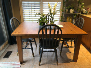 Gently used extendable wooden kitchen table
