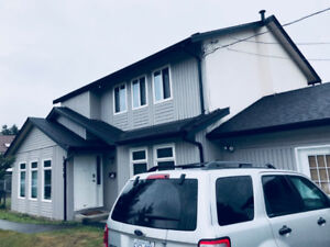 $2399 / 3br - PET FRIENDLY SURREY HOUSE - 3 Bed 2 Bath