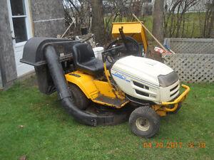 Tracteur à pelouse Cub Cadet 2002