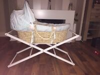 Mamas and papas Moses basket good condition