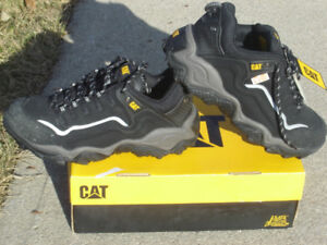 BRAND NEW NEVER USED CAT STEEL TOE CSA SAFETY SHOES SIZE 9.5!