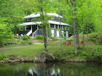 Country Home Close to Owl's Head= 2+ acres, privacy, pond, barn+