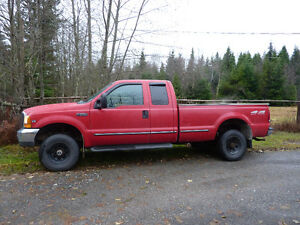 1999 Ford F-250 XLT 7.3L Turbo Diesel 4X4 Pickup Truck
