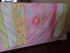 Girl's Twin Flower Bed Set