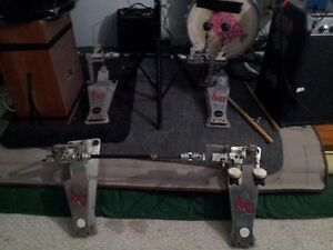 2 Axis longboards pearl rack with 4 clamps/ Ion Guitar-amp/case