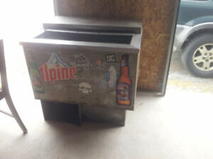 EXPERIENCED,,, BEER COOLER
