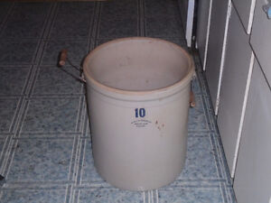 STONE CROCK CONTAINER