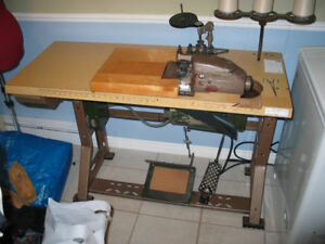 machine a coudre surjeteuse ,overlock sewing machine