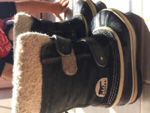 Sorel childrens boots size 11