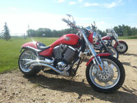 Mint 2006 Victory Hammer with lots of extras