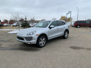 2011 PORSCHE CAYENNE FULLY LOADED, 1 OWNER, LOW MILEAGE