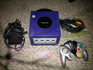 NINTENDO GAMECUBE with 1 Controller, 1 Game and Memory Card