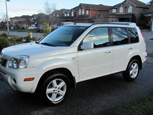 2005 Nissan X-trail LE  Low KM's  4 Wheel Drive-Great for Winter
