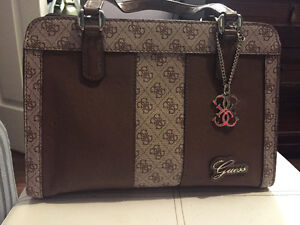 GUESS purse - barely used and in great condition!