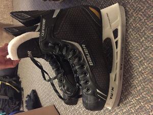 Size 8 Bauer skate 60$