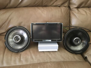 Touchscreen DVD deck with Bluetooth and 2 alpine type S speakers