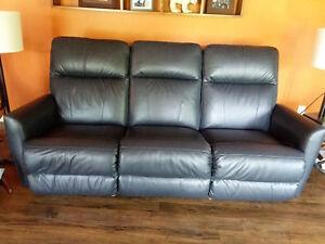 Lazyboy leather sofa