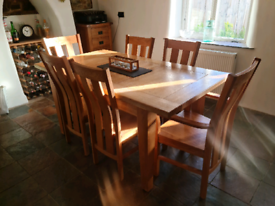 Oak extendable table and 6 chairs