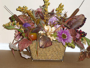 """Floral Arrangement in Gold Wire Basket : As shown: 22"""" W x 19"""" Cambridge Kitchener Area image 1"""
