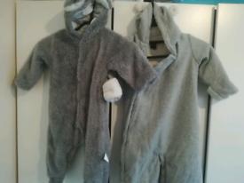 Baby Gap Fleece Bear bodysuit 6-12 months