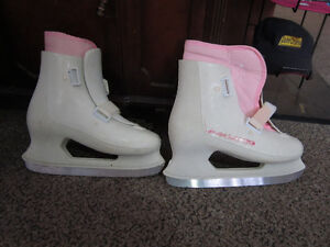 Girls Size 8 FREESTYLE LANGE Figure Skates For Sale