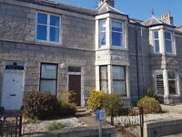 3 bedroom flat in Broomhill Road, West End, Aberdeen, AB10 6HX
