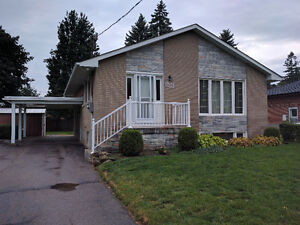 Move in ready 3-brs bungalow at Rossland and Stevenson