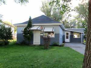Bungalow in Portage la Prairie- 2 Bedroom+Den