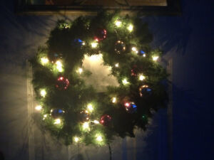 Beautiful 18 inch decorated holiday wreath