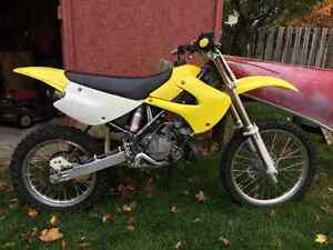 RM-85 Suzuki 2-stroke DIRT BIKE fast pit bike Kitchener / Waterloo Kitchener Area image 1