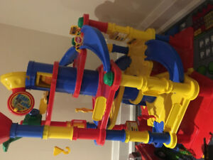 Wader Quality Toy 7 Floors Park Tower Playset with Cars
