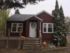 Lovely Character home in Ritchie! Avail. Jan 1 !PRICE REDUCED! Edmonton Edmonton Area image 3