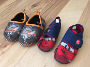 Cars and Planes Slippers size 10 (toddler/pre-schooler) Kitchener / Waterloo Kitchener Area image 1