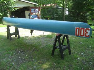 Canot de chasse modifié de 16 pieds