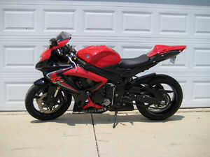 NEED GONE TODAY. 2006 GSXR600. awesome shape