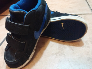 Nike size 8 toddler shoes