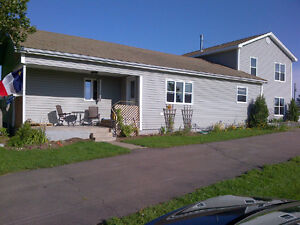 Bouctouche Sud, House with in-law suite (waterfront)