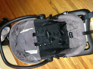 Infant car seat and base ( safety 1st)