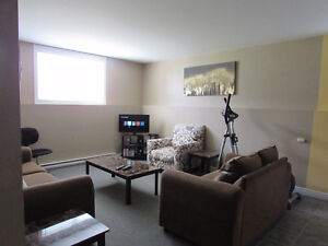 DIEPPE- NEAR  MALL, CABLE/INTERNET/SNOW REMOVAL INCL