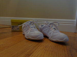 girls size13 white sneakers