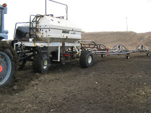 Bourgault 3225 air tank