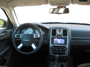 2010 Chrysler 300-Series Limited dvd sunroof loc picked