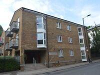 2 bedroom flat in Plough Way, Surrey Quays SE16