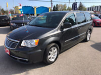 2011 Chrysler Town & Country STOW-N-GO TOURING..MINT COND.